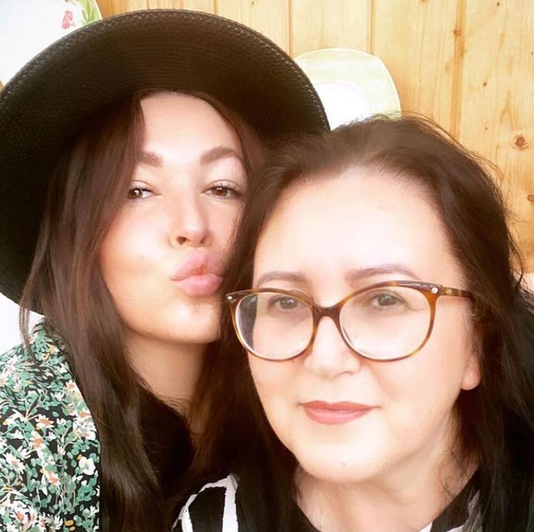 Это мама или сестра? 39 летняя Ирина Дубцова похвасталась красавицей мамой