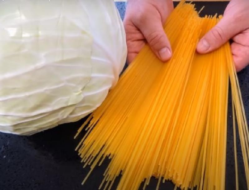 Необычное сочетание продуктов: капуста и спагетти. Получается вкусно и в то же время необычно