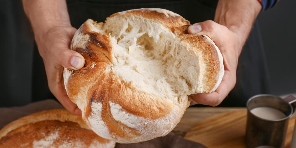 Некоторые хитрости, которые помогут сохранить хлеб свежим как можно дольше