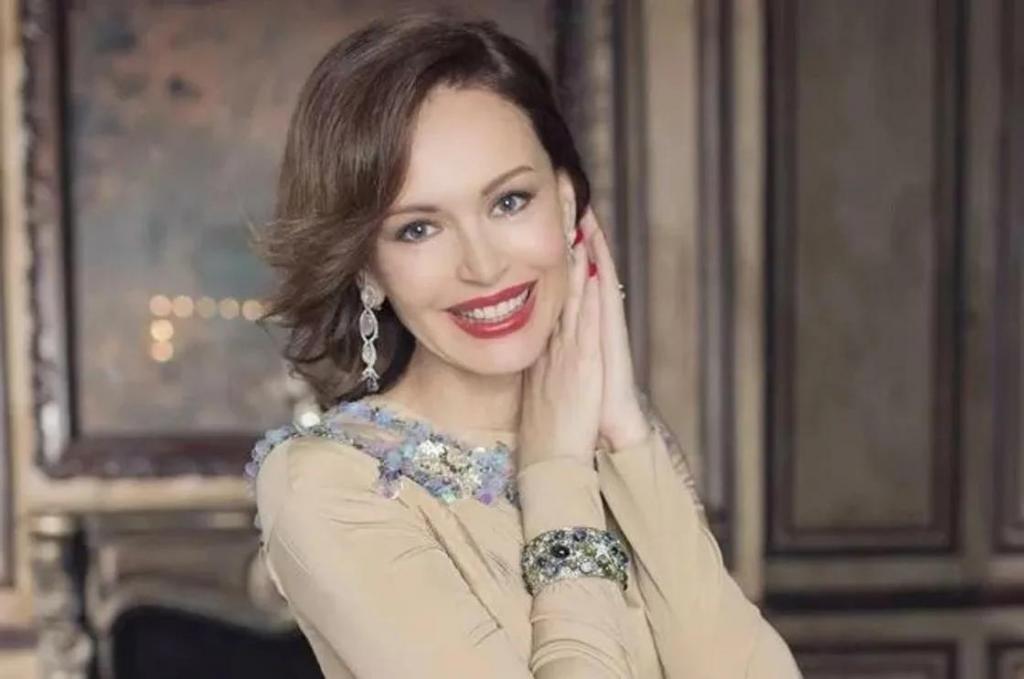 Это не конец жизни : Ирина Безрукова поделилась своими мыслями о разводе