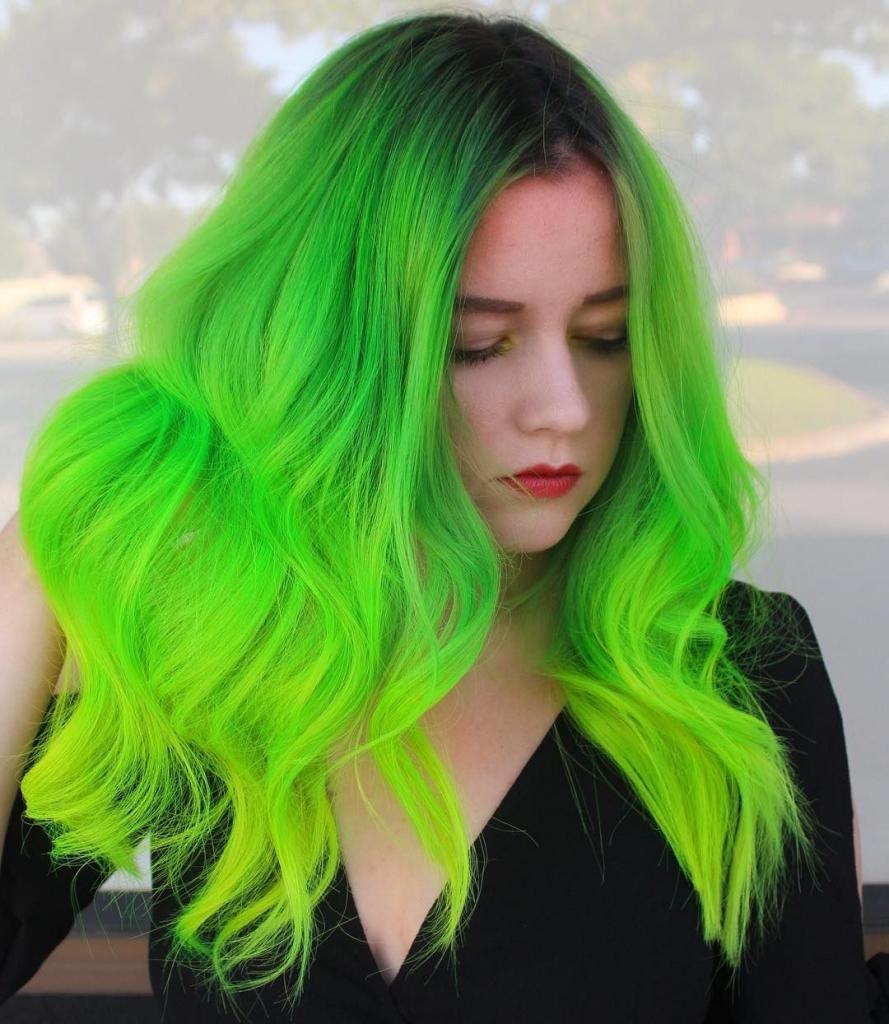 Весной хочется кардинальных перемен. Идеи необычного окрашивания волос в зеленых оттенках