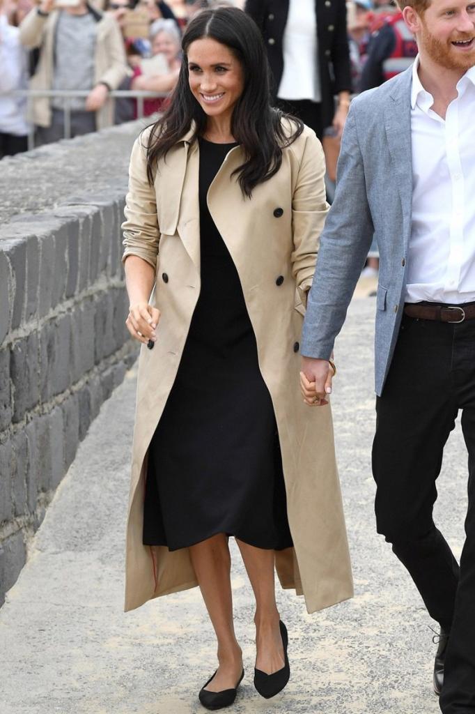Быть как герцогиня: легкие для копирования модные образы Меган Маркл на весну 2021 года