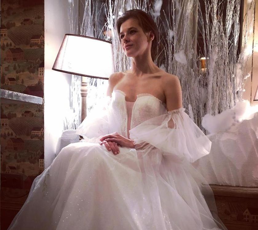 Недавно Шпица вышла замуж: почему подписчики считают ее платье бюджетным