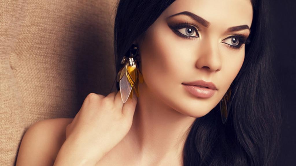 Чтобы макияж получился идеальным, не стоит забывать о некоторых местах на лице (и речь вовсе не о глазах)