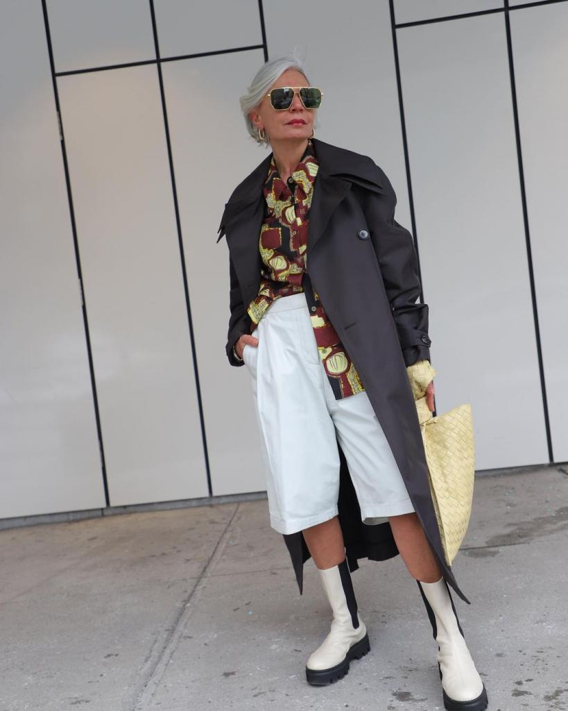 Еще один наглядный пример того, что и в возрасте можно быть стильной: 54-летняя блогер это доказала (фото ее луков)