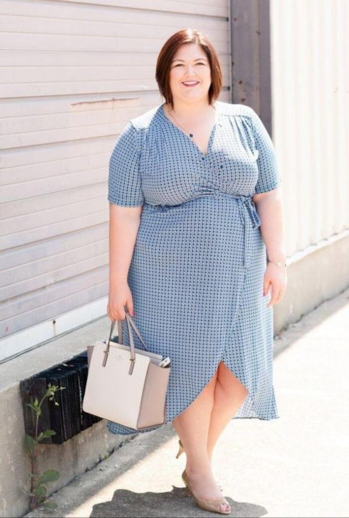 Носить цветочный принт: как стильно одеваться полным женщинам 45+