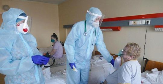 Врачи зафиксировали первые случаи «вечного» заражения коронавирусом