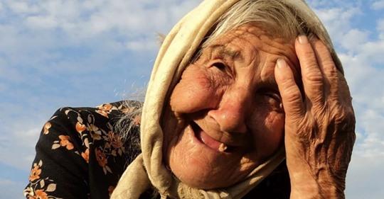 Как бабушка обхитрила своих детей, которые хотели отправить старушку в дом престарелых, чтобы разделить её деньги