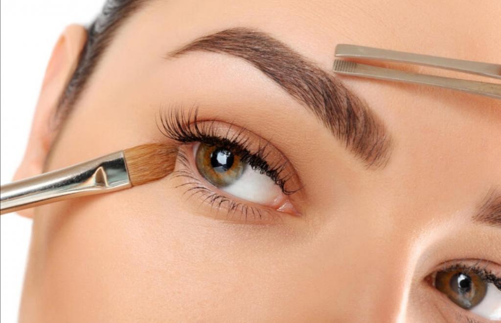 Маскировка темных кругов: этот и другие способы зрительного увеличения глаз