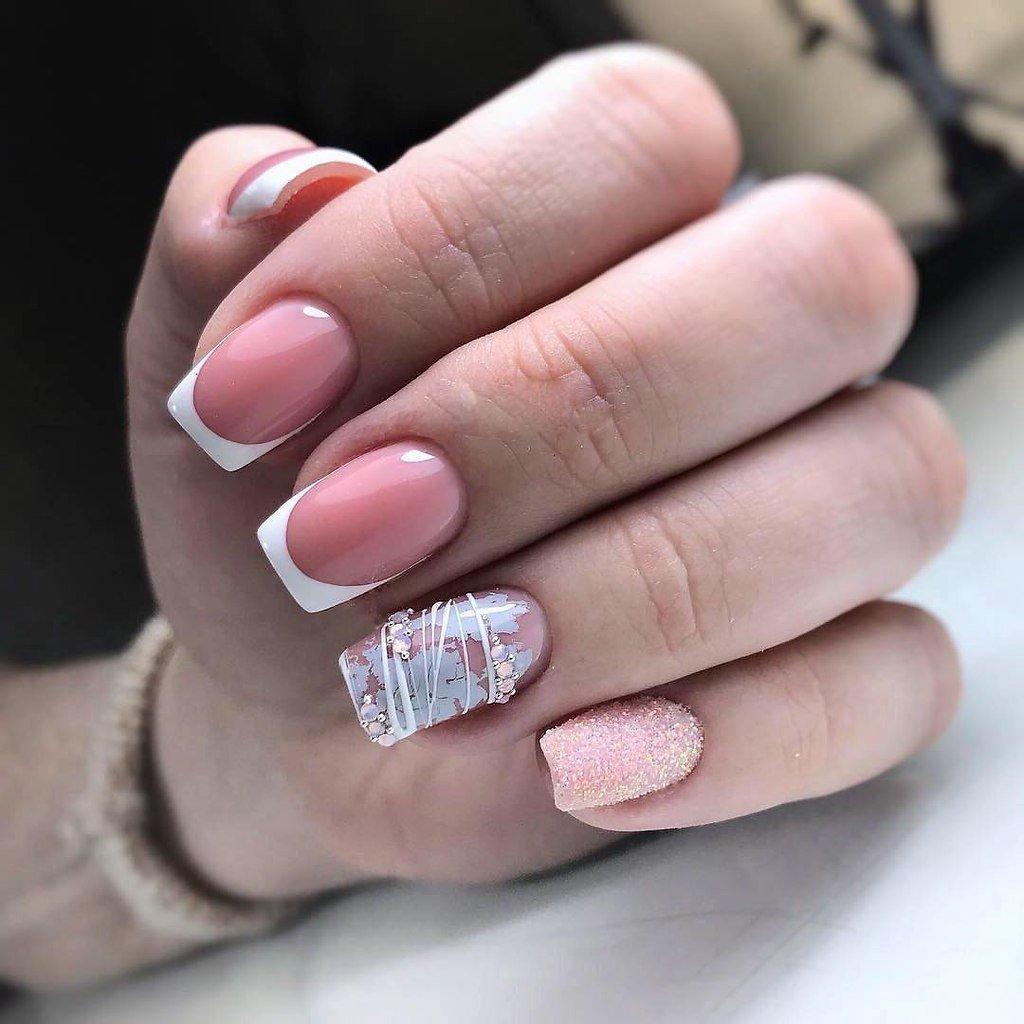 Французский маникюр на квадратных ногтях: 10 интересных идей – от розово белой классики с рисунками до красной геометрии