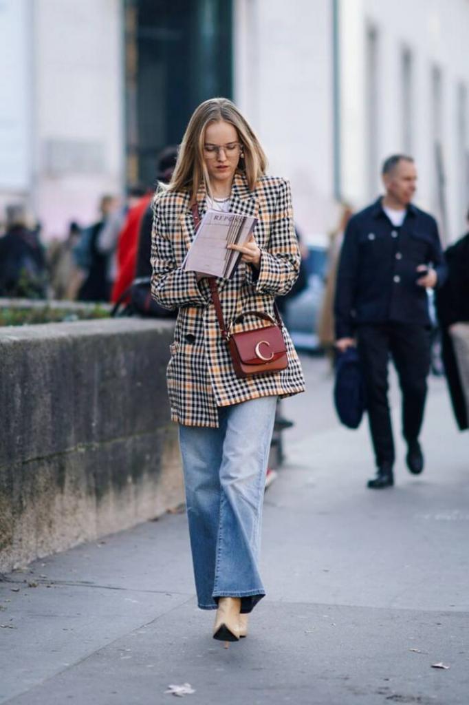 Модные вещи весны 2021, которые лучше всего сочетаются с мешковатыми джинсами