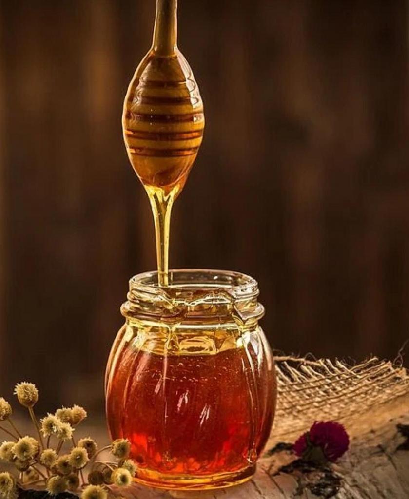 Мед, морковь, розмарин: рецепты натуральных тоников, которые освежают кожу лица
