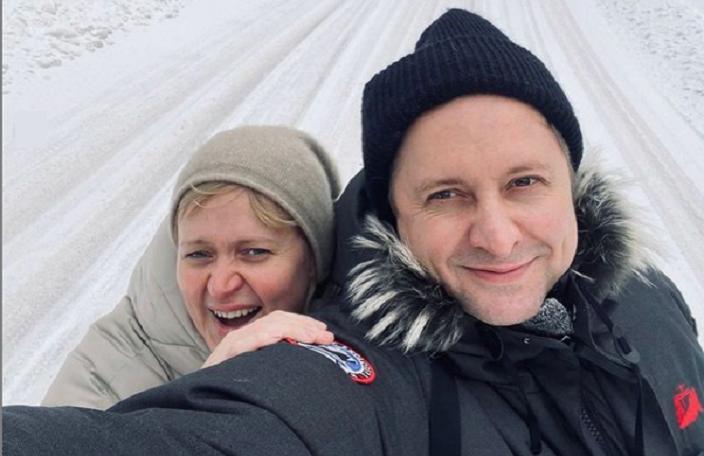 Давно я так не хохотала: Анна Михалкова рассказала о встрече с младшим братом