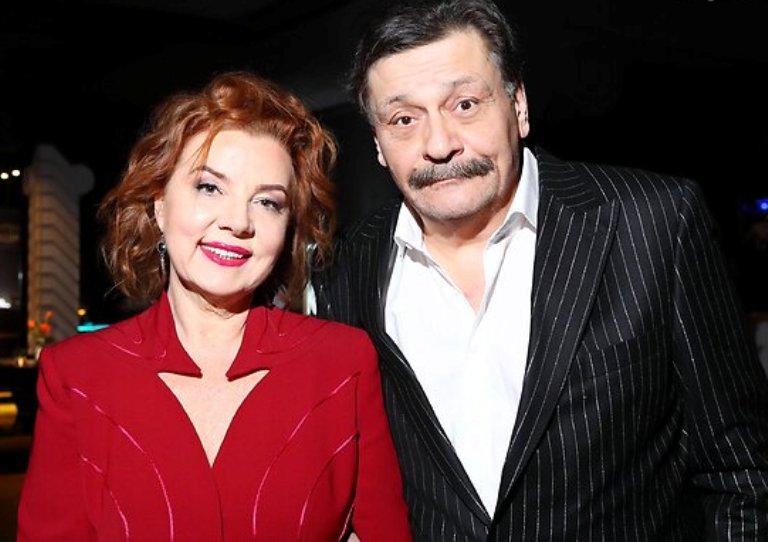 Женился три раза и усыновил чужого ребенка. Личная жизнь Дмитрия Назарова