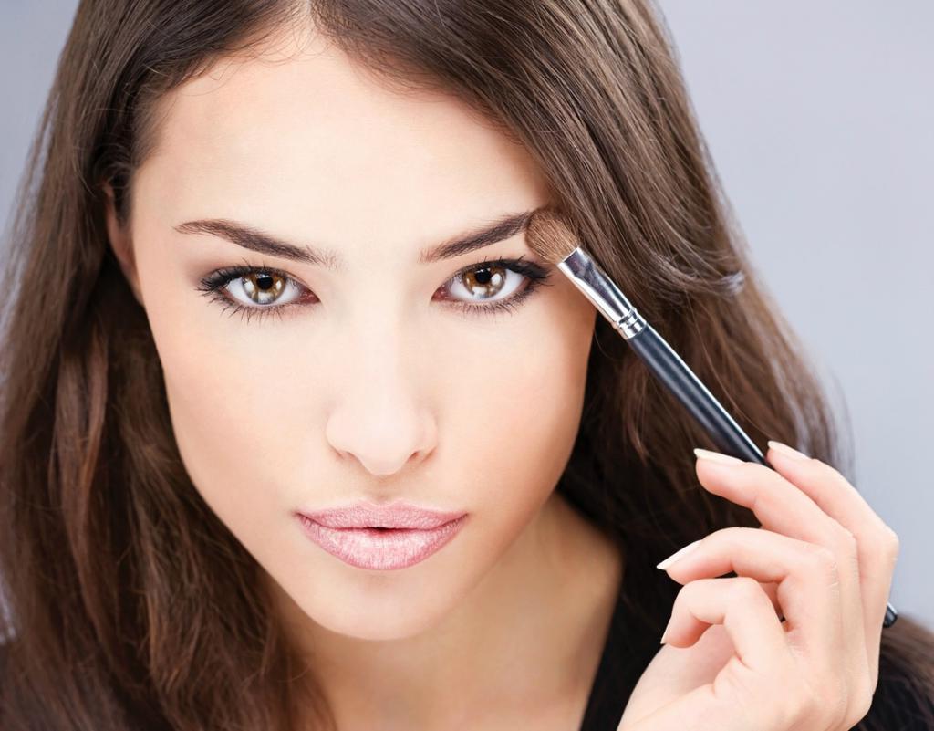 Гигиена макияжа: перед нанесением тонального крема моем руки, и еще вещи, которые надо знать