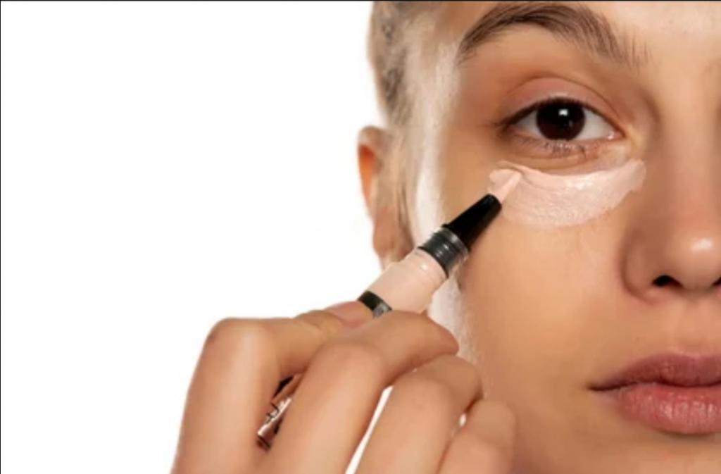 Прокрашивание уголков и другие способы визуального увеличения глаз