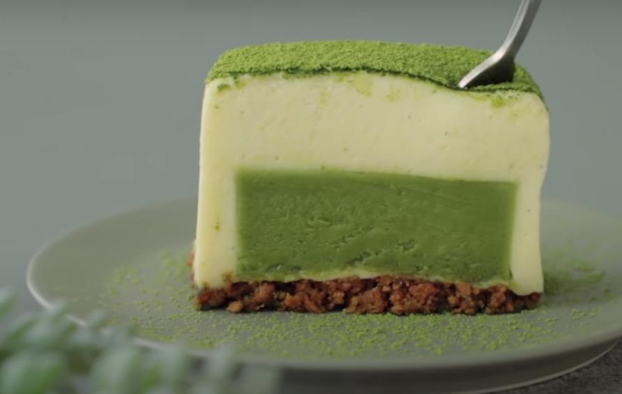 Десерты с матчей получаются просто изумительными: готовим нежнейший тортик муссового типа