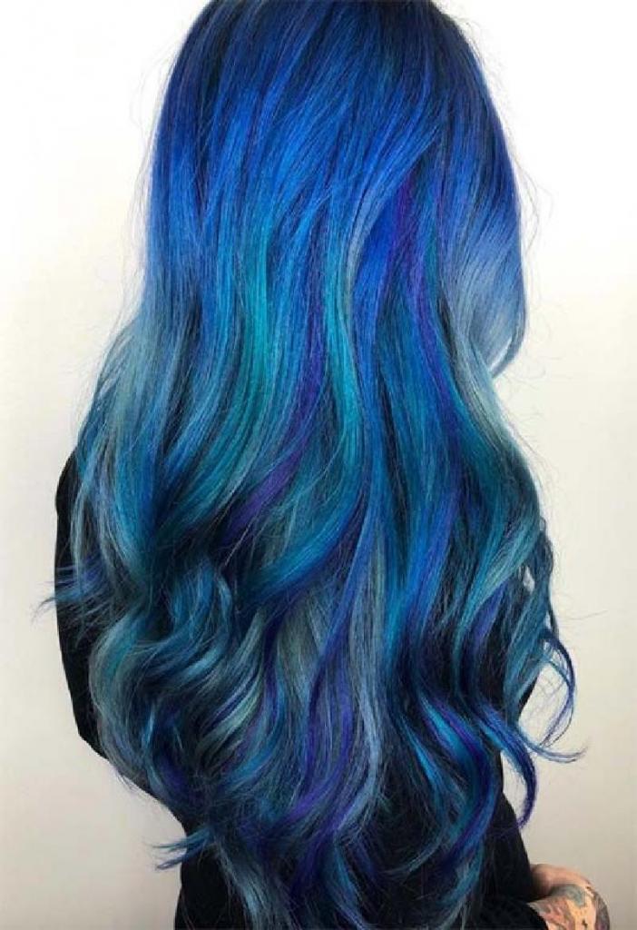 Цвет, которым хочется любоваться: идеи ультрамодного окрашивания в различных оттенках синего