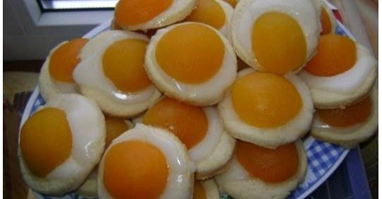 Пасхальное печенье с глазурью и абрикосами