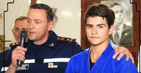 13 летний Максим Тихончук спас 15 детей