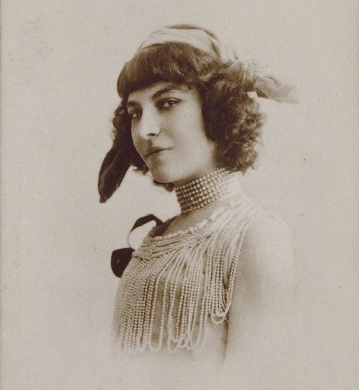 С 1890 года и по сей день: история самой популярной в мире женской стрижки  боб