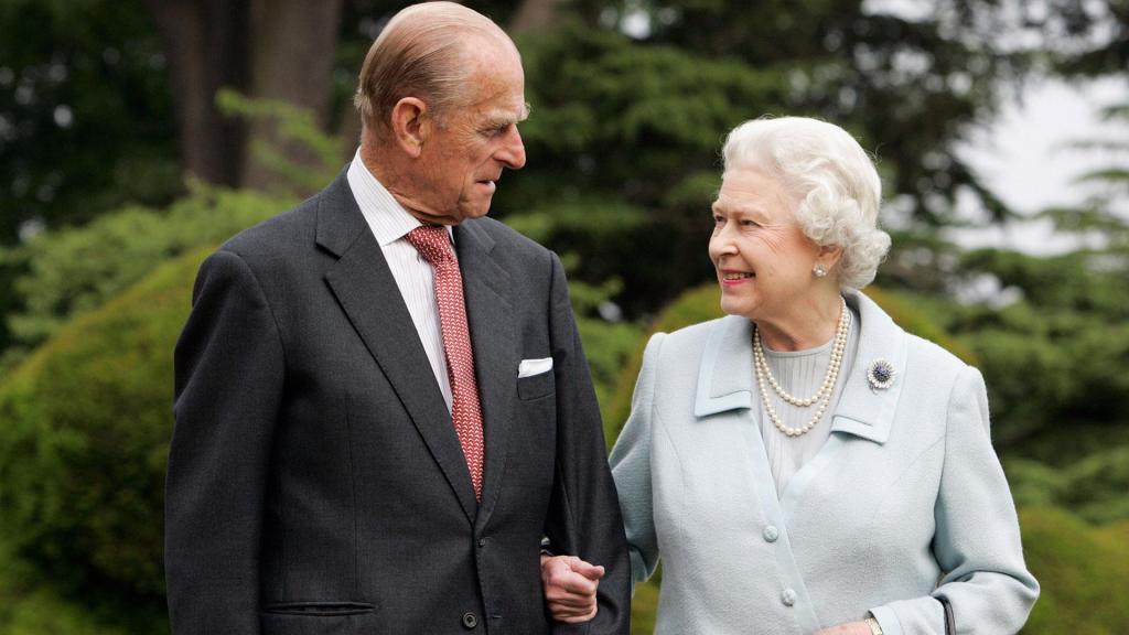 Он мог довести до слез даже мужчин: что думают о принце Филиппе его придворные