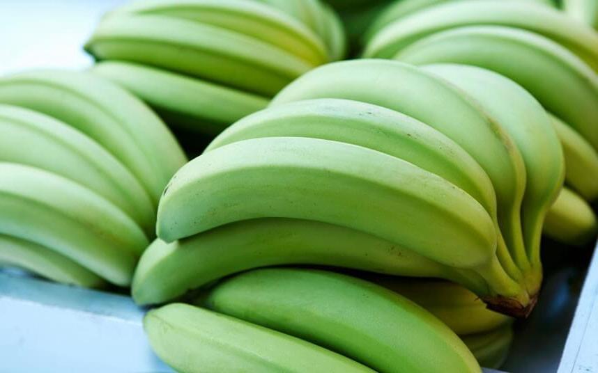 Они устраняют признаки старения кожи: удивительные свойства зеленых бананов