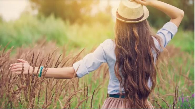 Чтобы мыть раз в неделю: решаем проблему жирных волос содой и яблочным уксусом