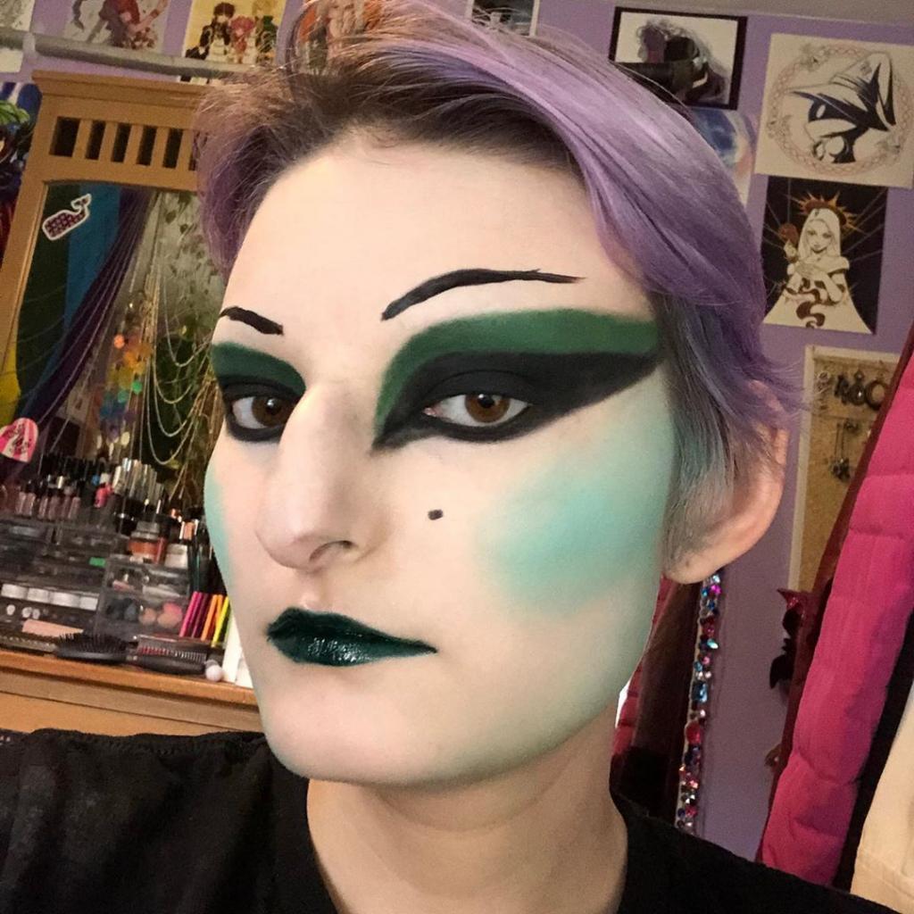 Странный, но завораживающий макияж, который сравнивают с искусством: фото
