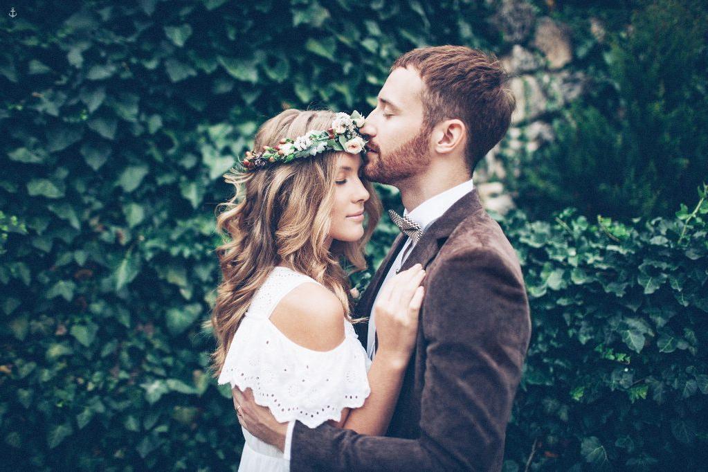 Не любовь, не общие интересы, а запах: что притягивает мужчину к женщине