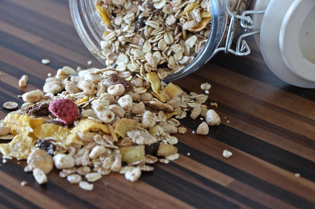 Диетолог Роксана Эсани заявила, что овсянка на завтрак может навредить здоровью