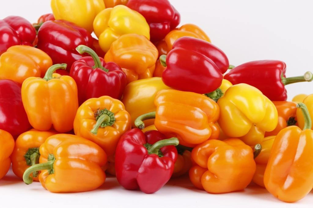 С маленькой грядки корзины урожая: как подкормить болгарский перец простым пшеном