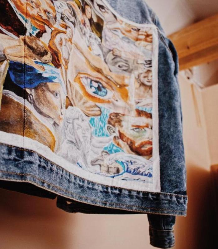 Джинсовые куртки с картинами: с помощью простой техники можно дать любимой одежде вторую жизнь