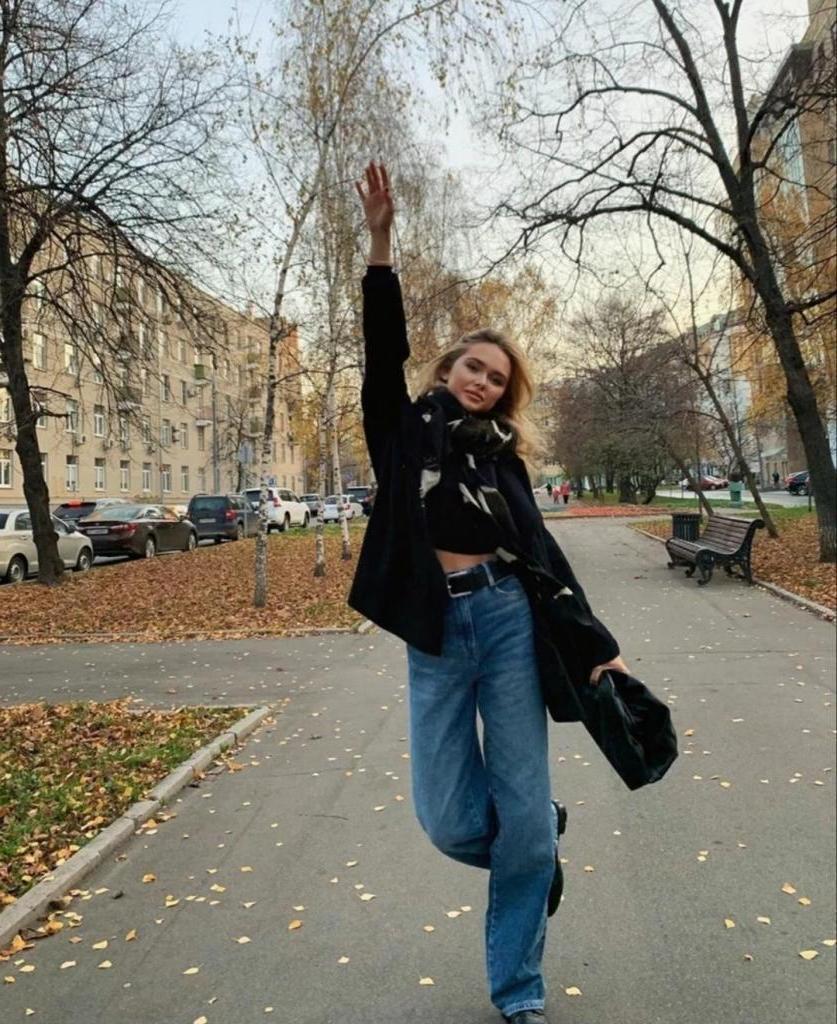 У Стеши Маликовой есть чему поучиться: 21-летняя девушка всегда одета со вкусом