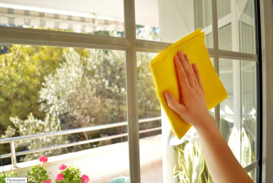 Вместо уксуса чайный пакетик: несколько проверенных способов мытья окон, которыми хозяйки пользовались издавна (стекла остаются чистыми по полгода)