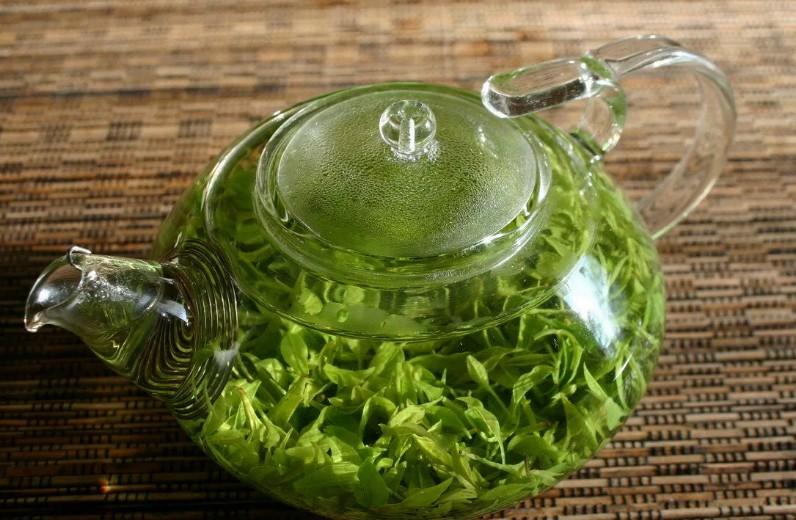 Зеленый чай, одуванчик, алоэ вера и еще 5 натуральных решений для роста и объема волос