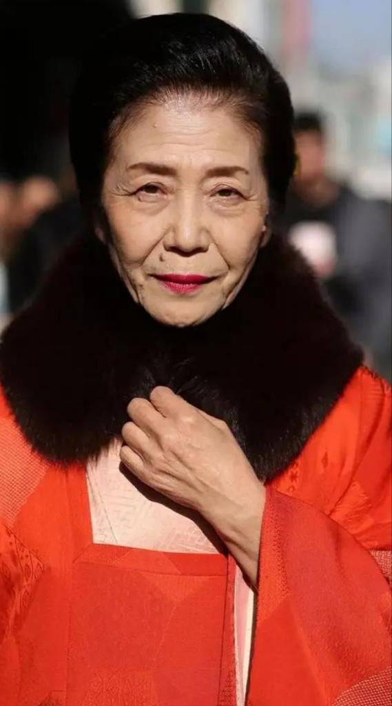 На лицах азиатских женщин сложно рассмотреть признаки старения: секрет в использовании банановой кожуры