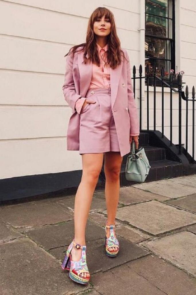 Шорты с пиджаком: с чем носить модные костюмы и какие модели выбрать