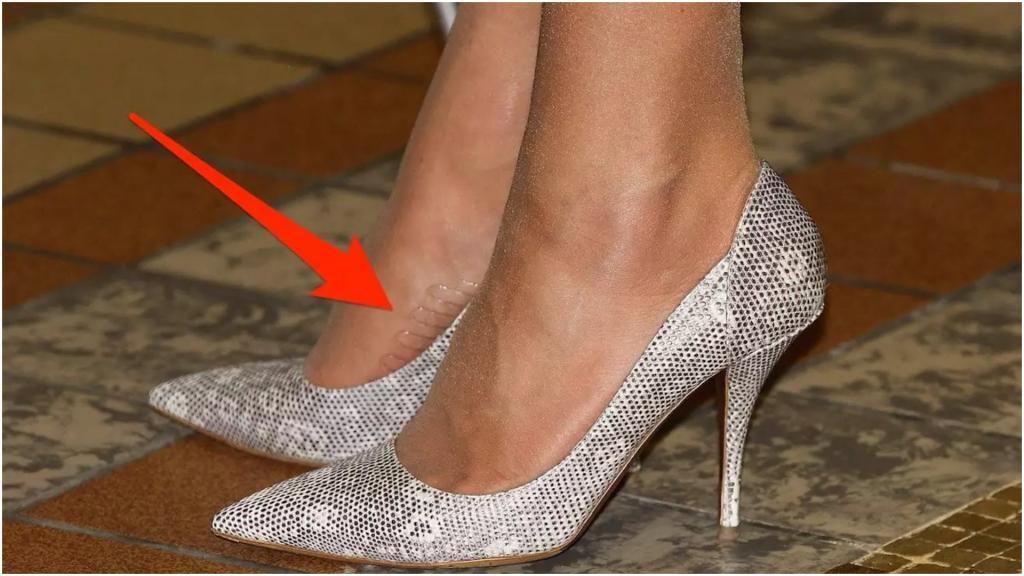 А вот туфли на платформе при королеве нельзя: трюки Кейт Миддлтон при ношении высоких каблуков