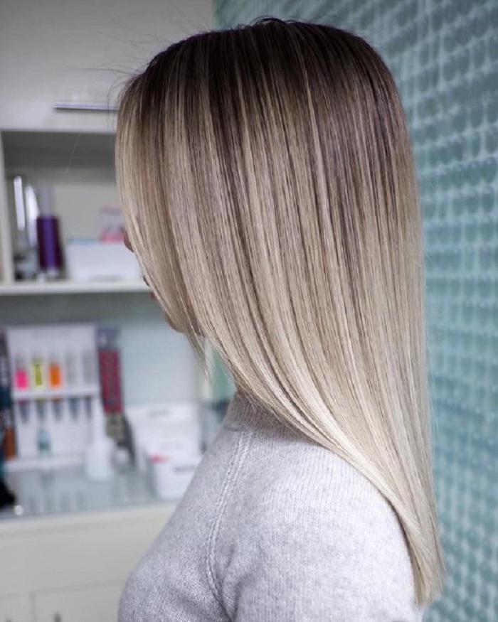 Серебристый блонд — горячая тенденция 2021 года: несколько вариантов окрашивания