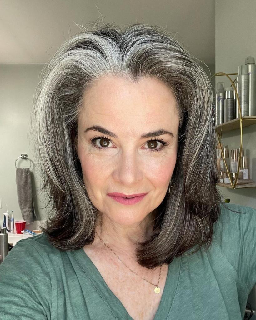 Многослойный боб — стильная стрижка для женщин старше 50: несколько примеров ее исполнения