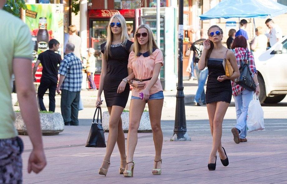 Чтобы летом выглядеть роскошно, не стоит допускать основных ошибок при выборе гардероба