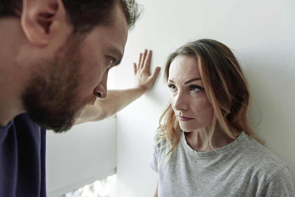 Задача - сохранить брак: что делать, если партнер ревнует без причины