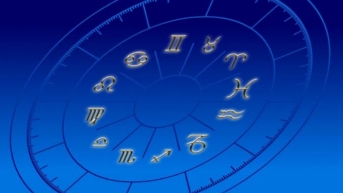 Гороскоп на июнь 2021: каким знакам зодиака повезет в любви