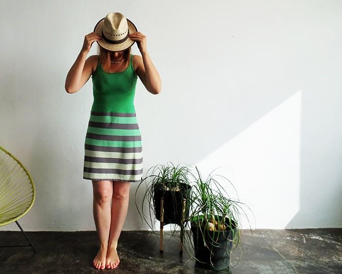 Как сделать симпатичное летнее платье из двух маек. Получается мило и аккуратно