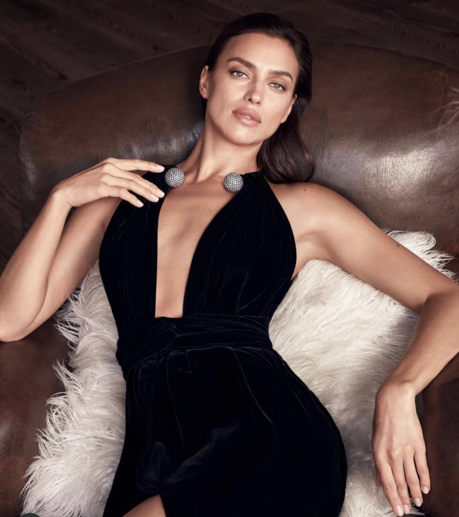 Oscar de la Renta выпустила новый аромат Alibi, разработанный Фернандо Гарсией и Лаурой Ким. Лицом бренда стала российская модель Ирина Шейк