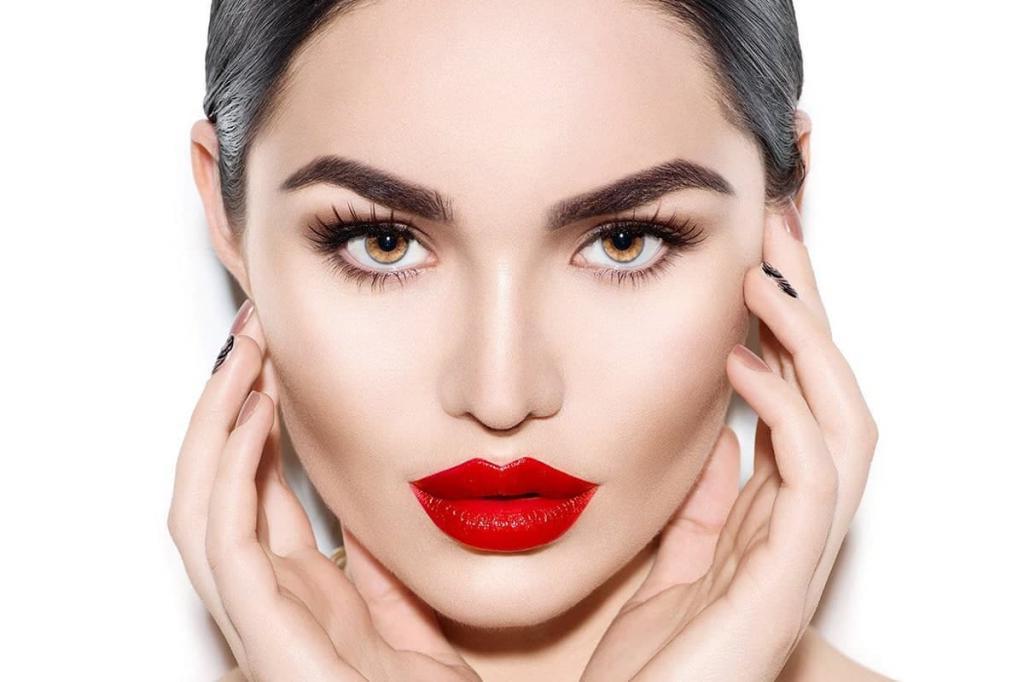 Ошибки здесь недопустимы: как женщине найти «своего» мастера перманентного макияжа (что должно насторожить)