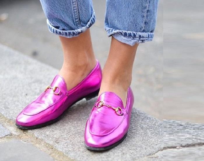 Не бойтесь цветной обуви и не только: советы, как одеваться модно женщине за 40