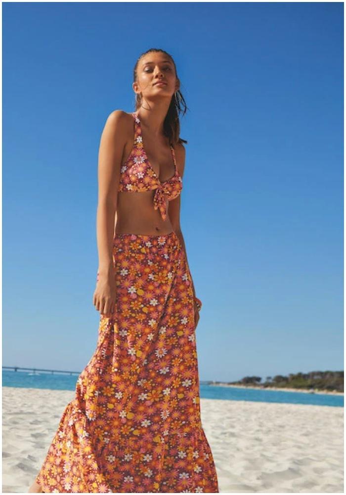 Идеи пляжного образа: платья, шорты, красочные ткани и другие тенденции лета 2021 года