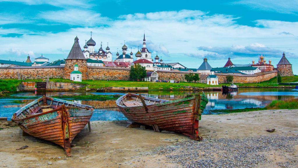 На слово длинношеее в конце пришлось три е... Самые длинные и сложные слова в русском языке, их происхождение